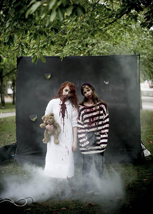Zombie walk i Fatbursparken. @Foto: Jurek Holzer/oskarpmask, 2013-09-28.