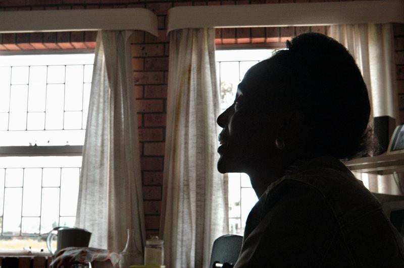 2004-03-12 Viljoenskroon: Nellie Moduka är vicerektor på handikappskolan Mphatlalatsane i den svarta förorten Ramulotsi. Foto: Jurek Holzer/SvD