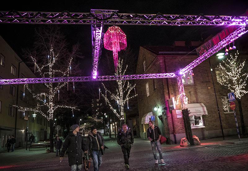 Julbelysning i Sundbybergs centrum. ©Foto: Jurek Holzer 2014-12-14