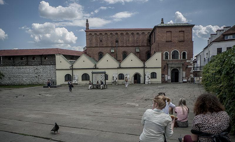 Den gamla synagogan vid stora torget i stadsdelen Kazimierz i Krakow rymmer i dag ett museum.